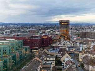 Der-BIZ-Turm-in-Basel-Hauptquartier-der-Bank-fuer-internationalen-Zahlungsausgleich-Archiv-
